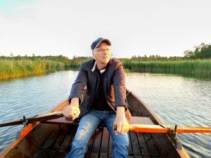 Tobias telt vogels in roeiboot op Naardermeer